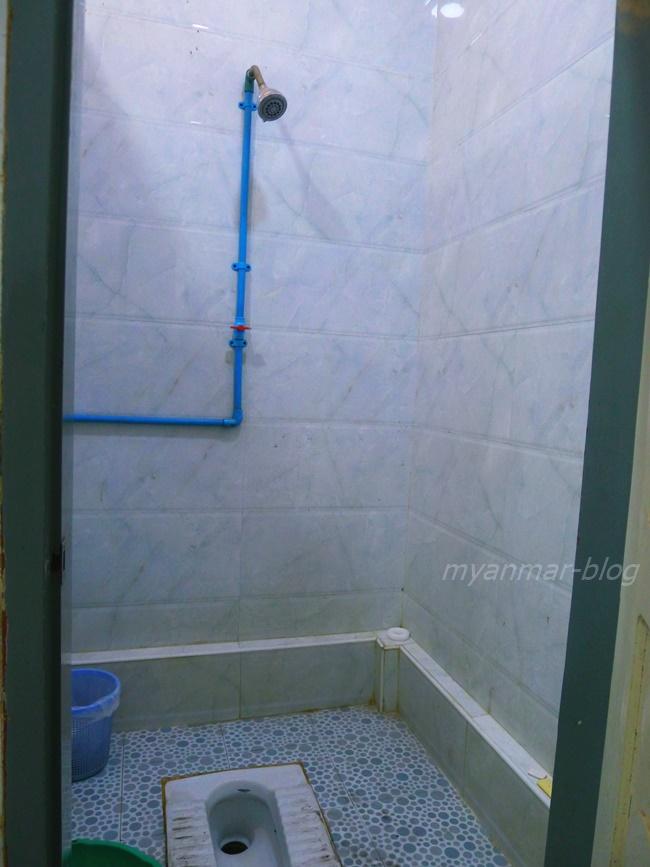 シャワーも併設!