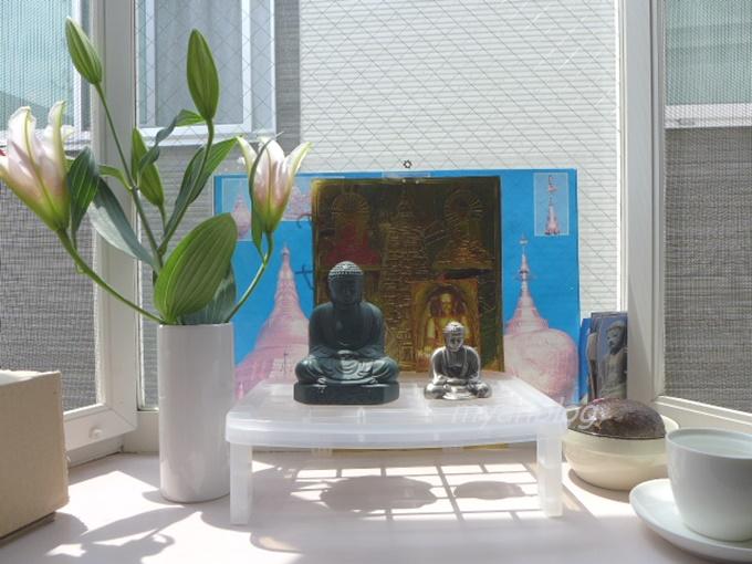 仏壇に鎌倉の大仏さまが。