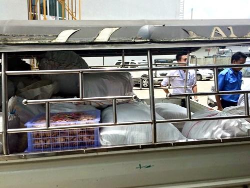 NTT Data Myanmarが支援物資を届けます
