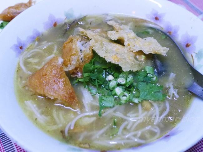 ミャンマーの国民食とも言われているモヒンガー